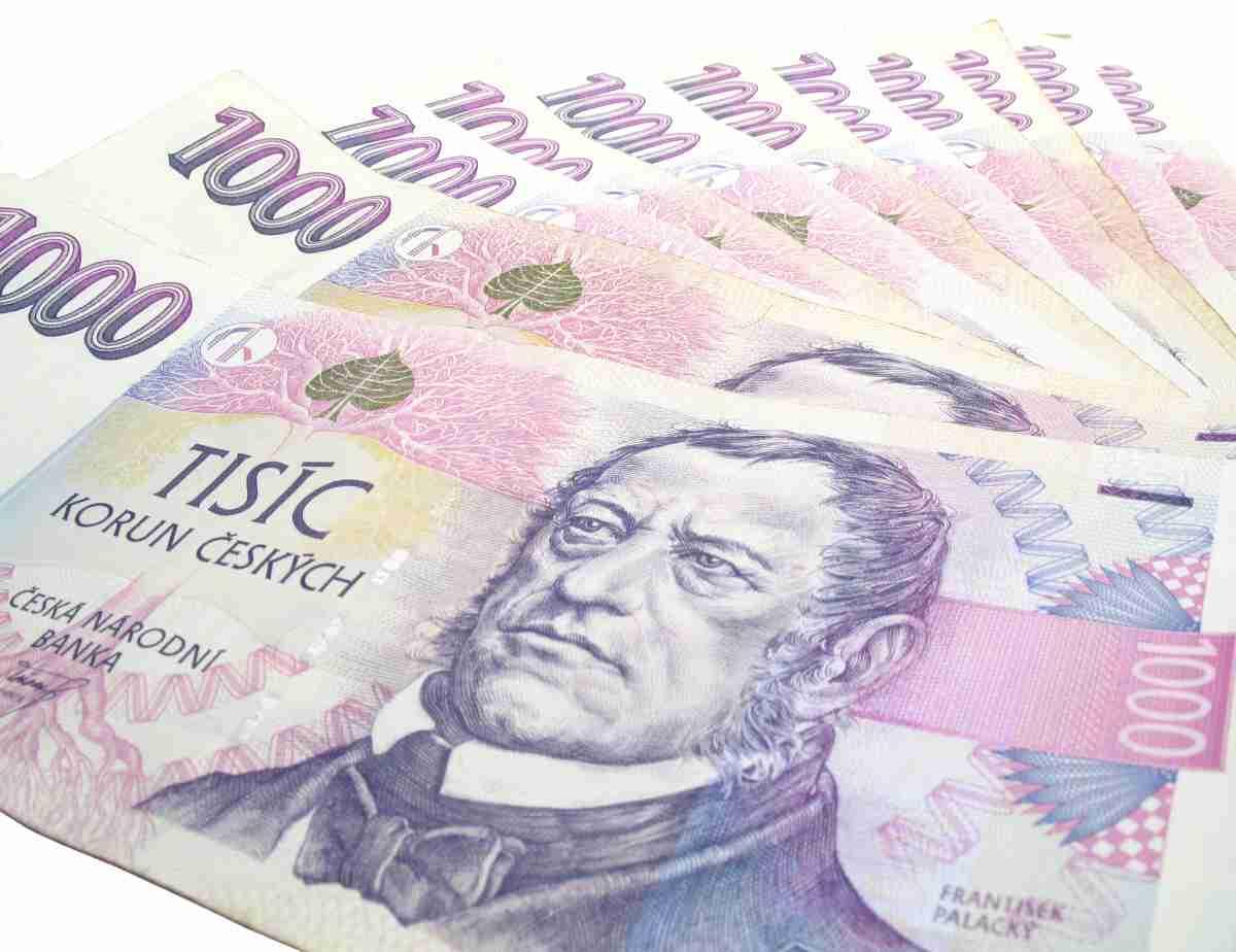 Můžete tedy dostat 8 tisíc korun, a za měsíc (30 dní) budete vracet také jenom 8000 Kč.